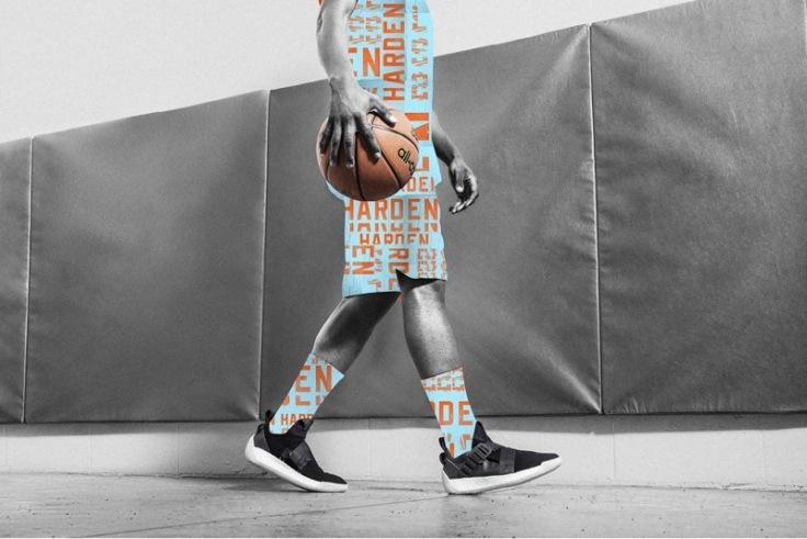 6.Harden_LS_2鞋面採用亮面及絨毛面皮革,鞋身的異材質拼接為視覺創造豐富變化,潮流時尚輕鬆駕馭。