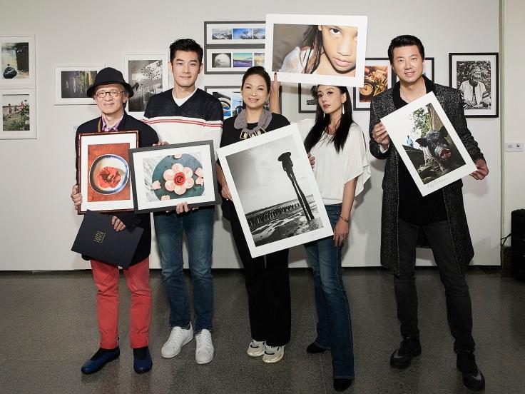 (左起)2018台北攝影節藝人攝影展出席藝人鄧志鴻、施易男、楊貴媚、高慧君、吳皓昇.jpg