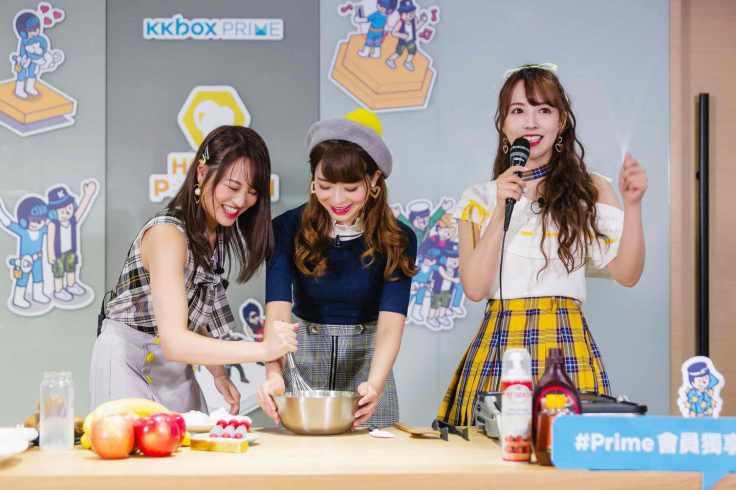 左起為松田美子、中間為櫻萌子三上悠亞、右邊為三上悠亞;三位組合為團體蜂蜜爆米花-4_exposure