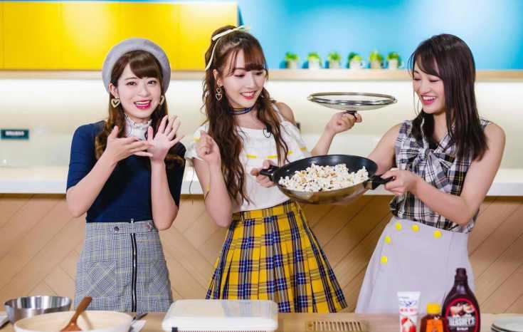 左起為櫻萌子、中間為三上悠亞、右邊為松田美子;三位組合為團體蜂蜜爆米花_exposure