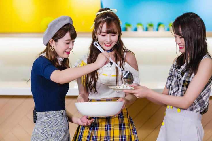 左起為櫻萌子、中間為三上悠亞、右邊為松田美子;三位組合為團體蜂蜜爆米花-2_exposure