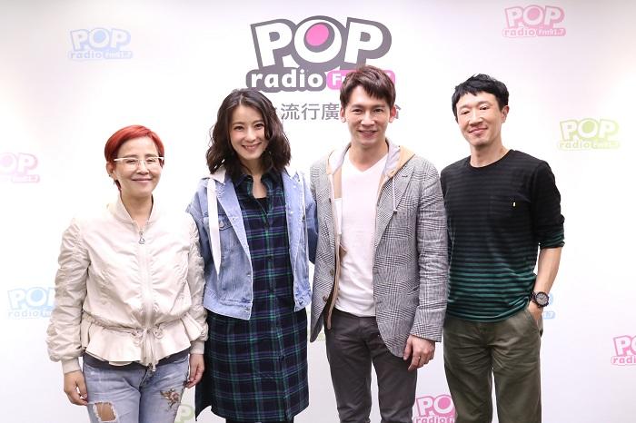舞台劇《瘋狂偶像劇》五度加演,由溫昇豪(右二)、賴雅妍(右三)主演