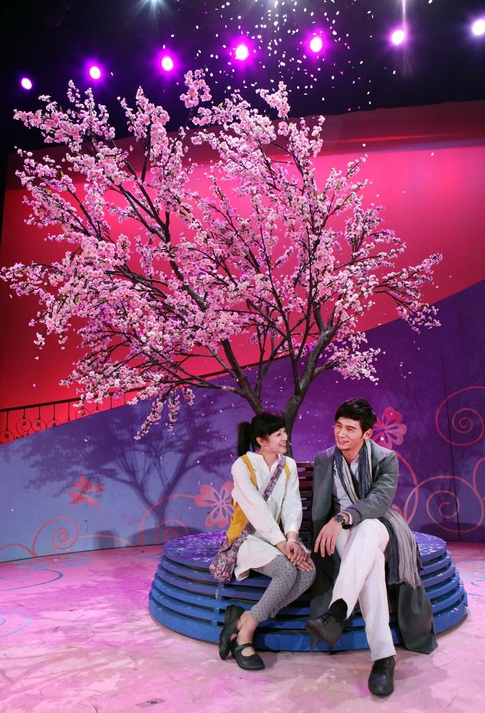賴雅妍在演出舞台劇後表示,未來希望參與喜劇演出;溫昇豪則有望挑戰同志角色。(照片由全民大劇團提供)