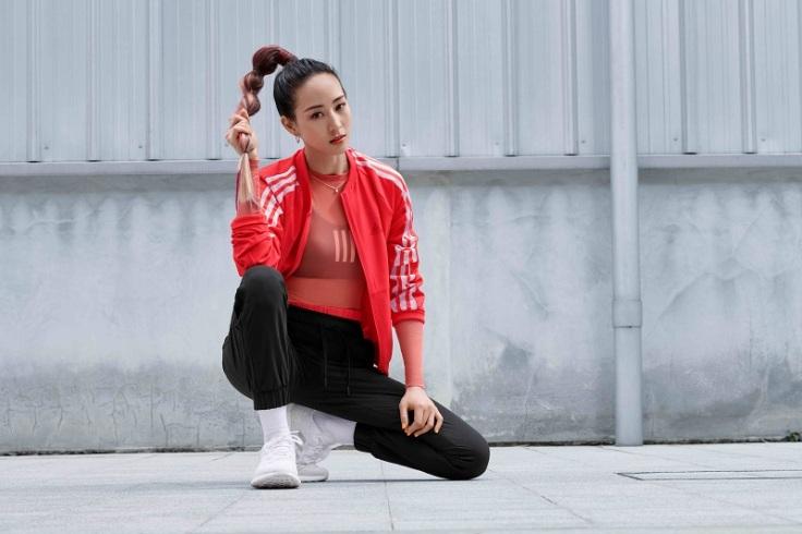 1.adidas推出最新春夏女子運動訓練裝備,邀請代言人張鈞甯搶先演繹系列商品。