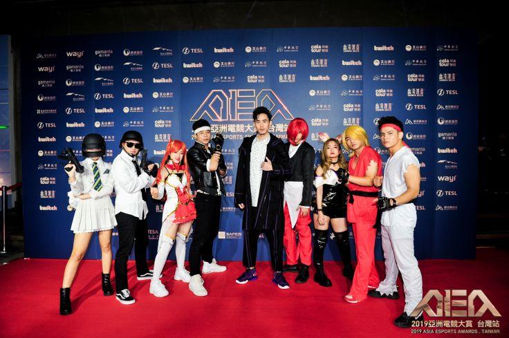 麻吉弟弟(中),與cosplay經典電玩人物造型的舞團Zero Four Dance Crew,將帶來開場表演。
