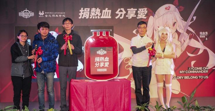 左一 蠻啾行銷Tebo 中間 品玩邦業務總監 劉家良 右一 業務組長 謝佳宏組長
