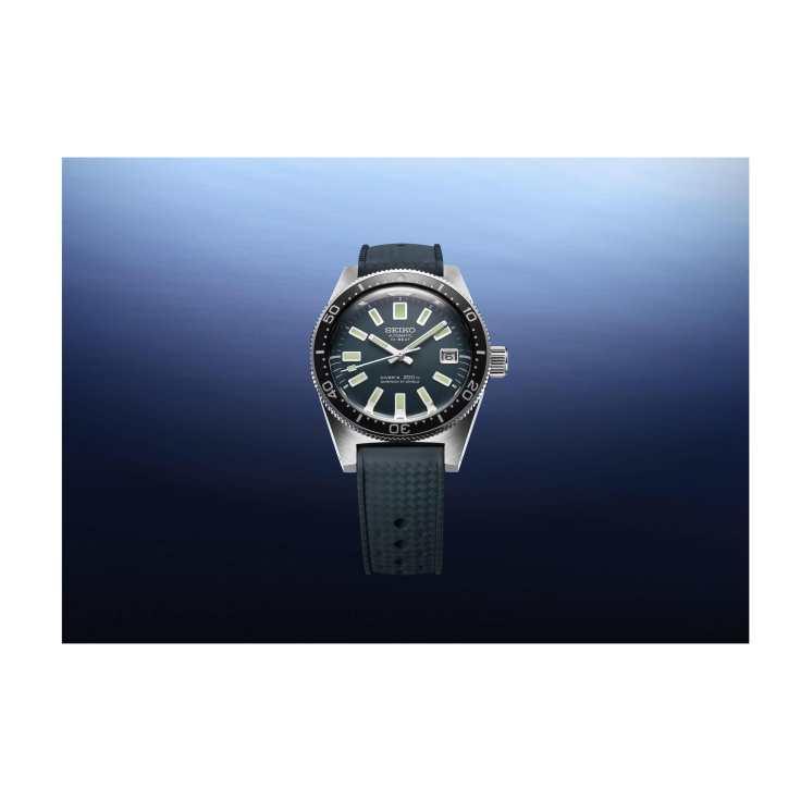 現代復刻款錶殼皆採用「白鋼」材質,使錶款的耐用性更為強化。