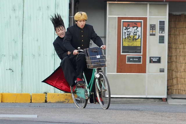 現場スチール(三橋、伊藤 自転車)